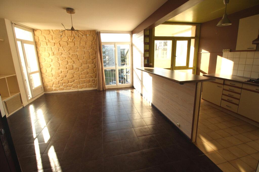 Appartement à louer 3 58m2 à Ris-Orangis vignette-4