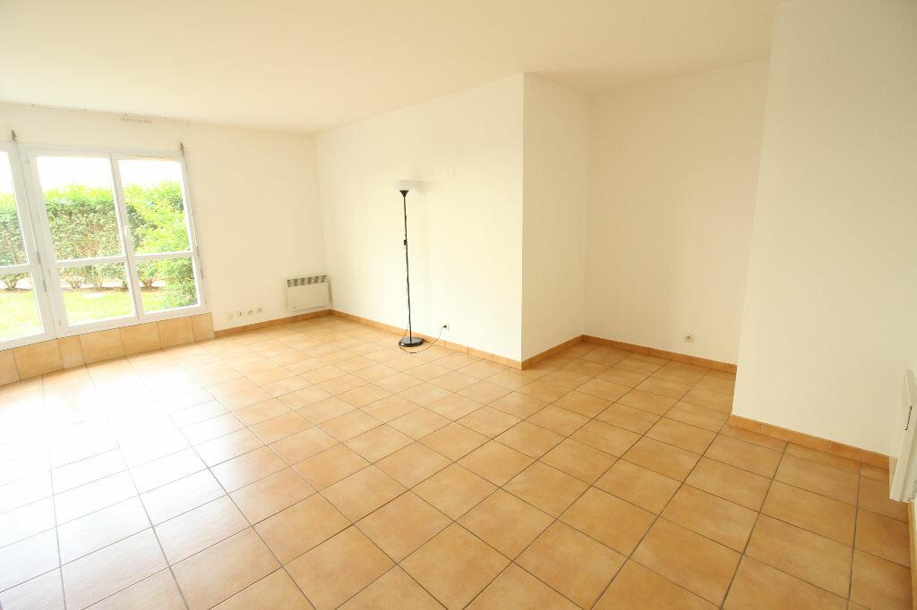 Appartement à louer 2 52m2 à Viry-Châtillon vignette-8