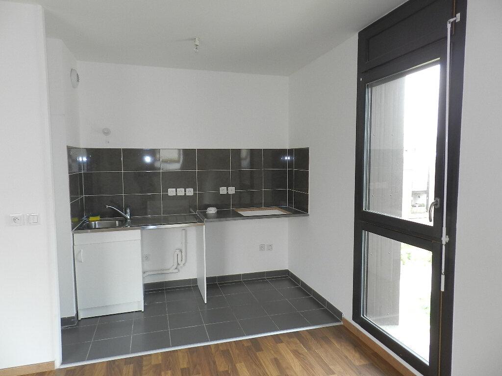 Appartement à louer 2 44m2 à Ris-Orangis vignette-4
