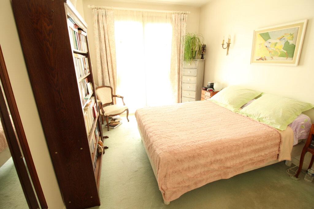 Maison à louer 7 155.44m2 à Viry-Châtillon vignette-7