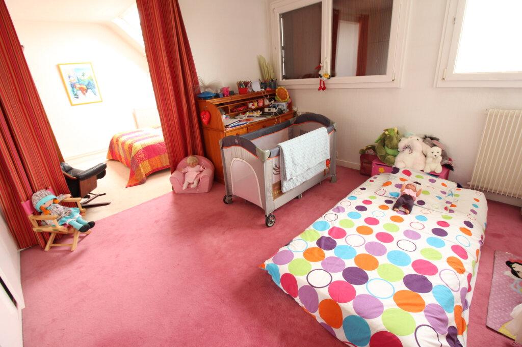 Maison à louer 7 155.44m2 à Viry-Châtillon vignette-8