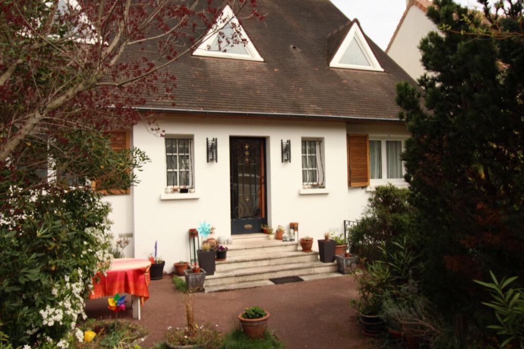 Maison à louer 7 155.44m2 à Viry-Châtillon vignette-10