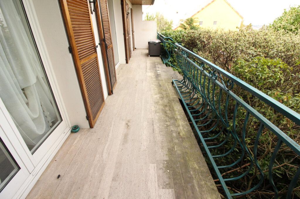 Maison à louer 7 155.44m2 à Viry-Châtillon vignette-12