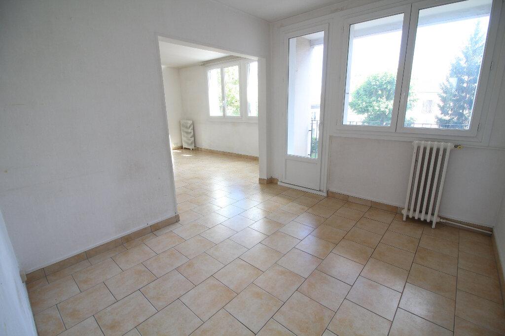 Appartement à louer 5 86.72m2 à Meaux vignette-3
