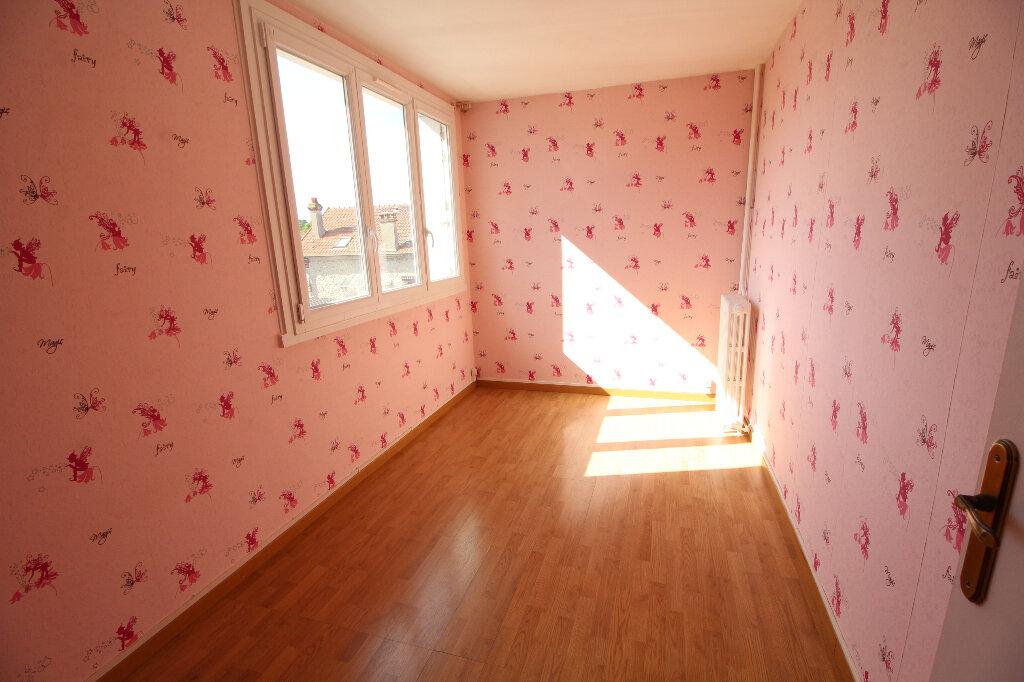 Appartement à louer 5 86.72m2 à Meaux vignette-5