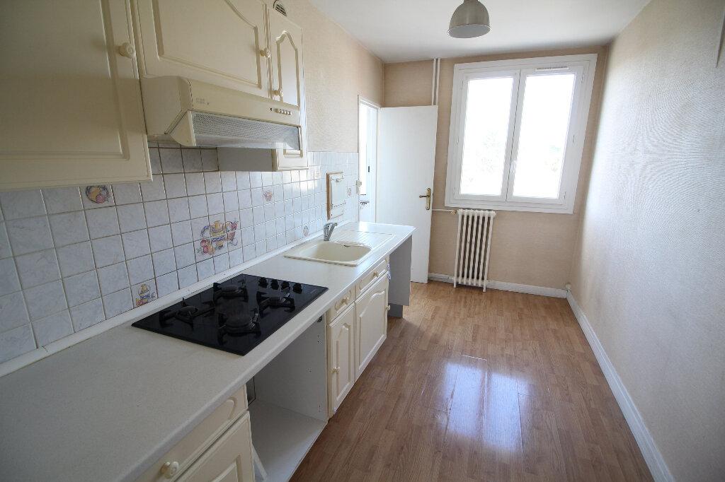 Appartement à louer 5 86.72m2 à Meaux vignette-7