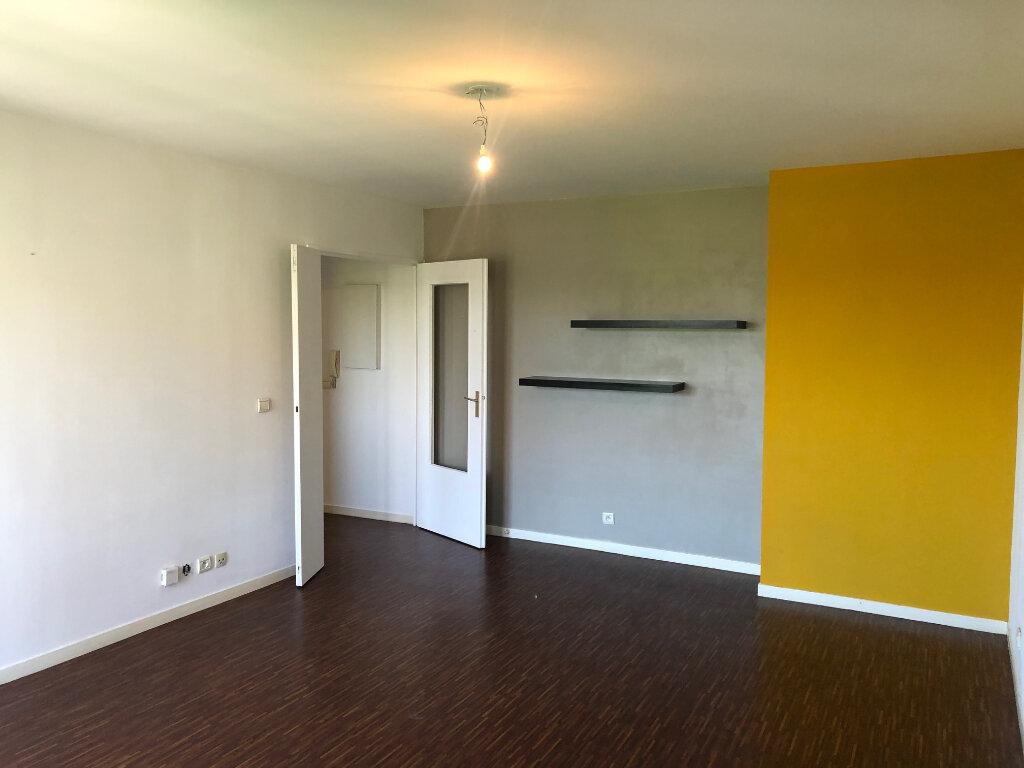Appartement à louer 2 46.52m2 à Meaux vignette-1