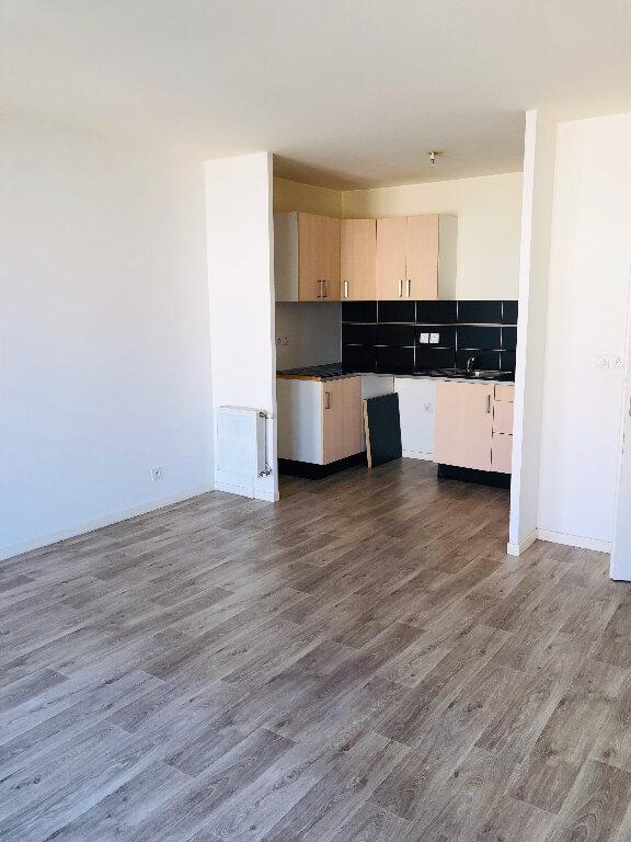 Appartement à louer 3 59.32m2 à Meaux vignette-1