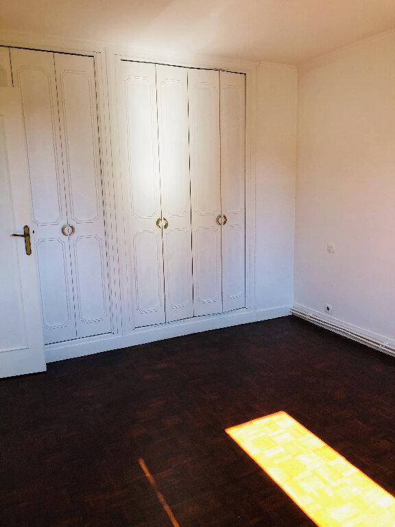 Appartement à louer 4 66.36m2 à Meaux vignette-5