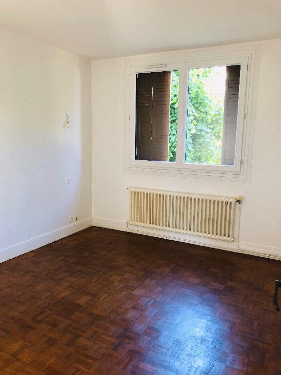 Appartement à louer 4 66.36m2 à Meaux vignette-6