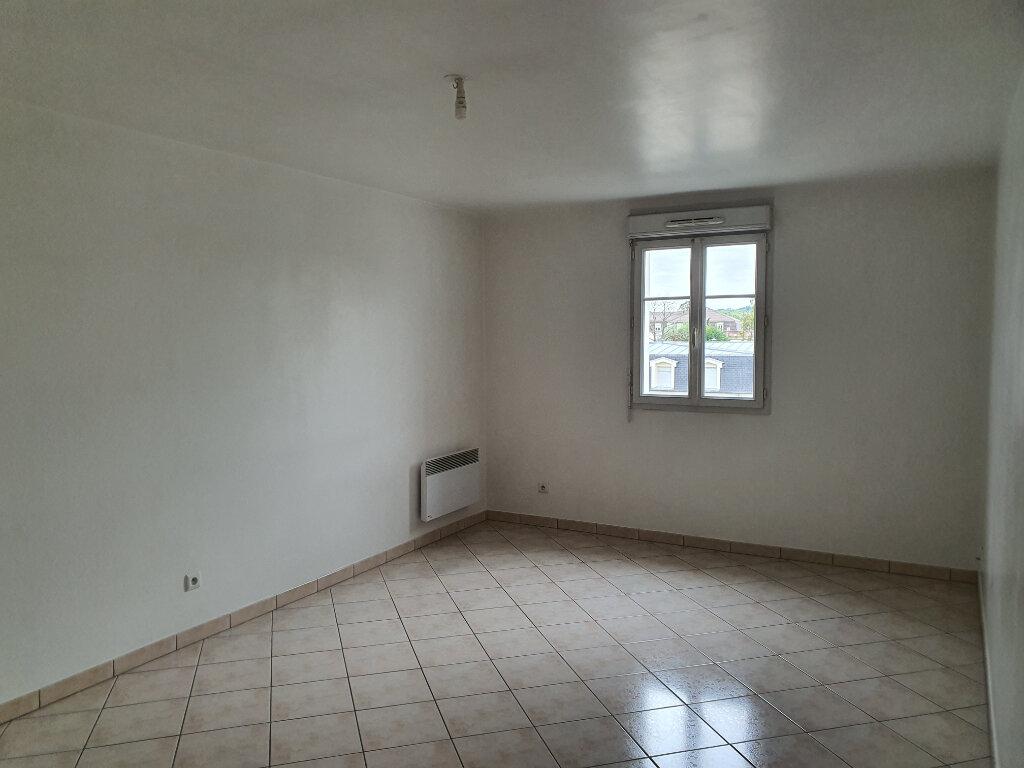 Appartement à louer 3 67.84m2 à Meaux vignette-2