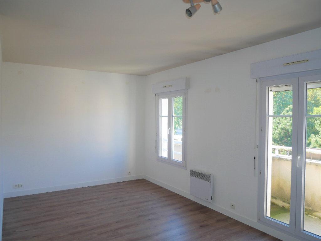 Appartement à louer 2 36.8m2 à Meaux vignette-1