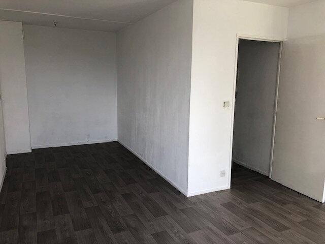 Appartement à louer 1 30m2 à Meaux vignette-1