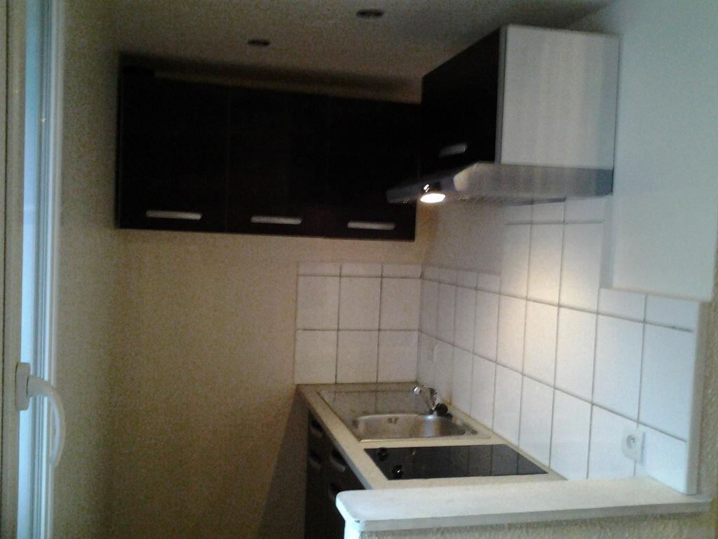 Appartement à louer 1 21.78m2 à Choisy-en-Brie vignette-4