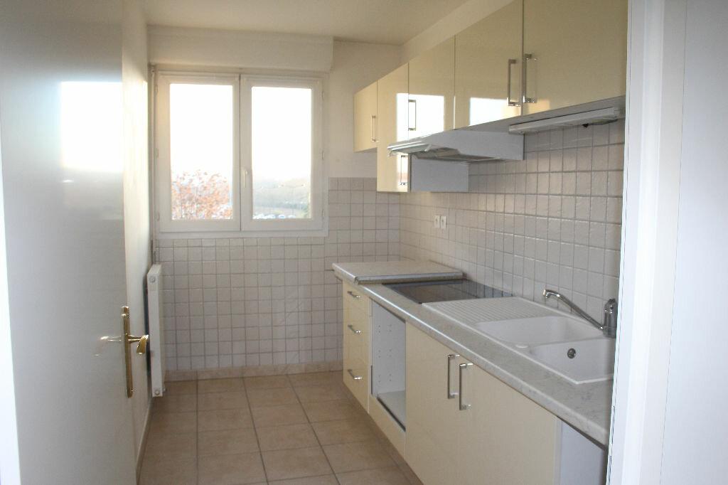 Appartement à louer 3 66.9m2 à Meaux vignette-4