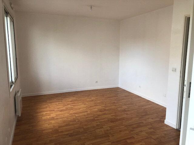 Appartement à louer 1 25.7m2 à Meaux vignette-2