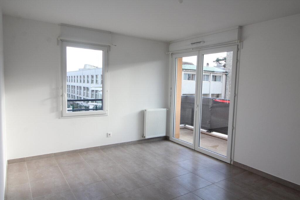 Appartement à louer 2 46.58m2 à Meaux vignette-1
