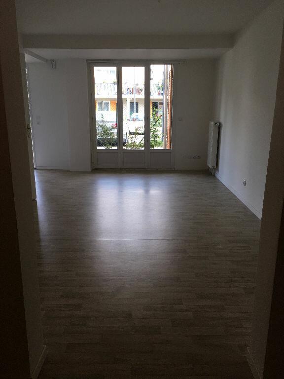 Appartement à louer 2 46.81m2 à Villenoy vignette-3