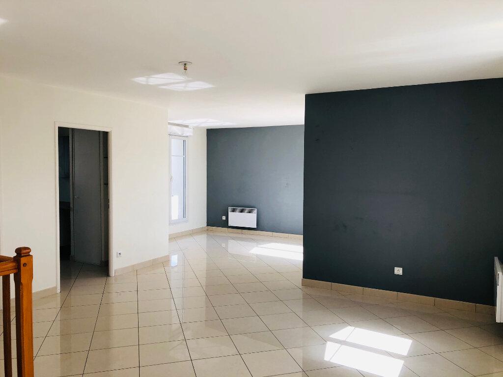 Appartement à louer 4 95.24m2 à Meaux vignette-1