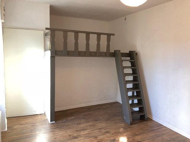 Appartement à louer 1 16m2 à Meaux vignette-1