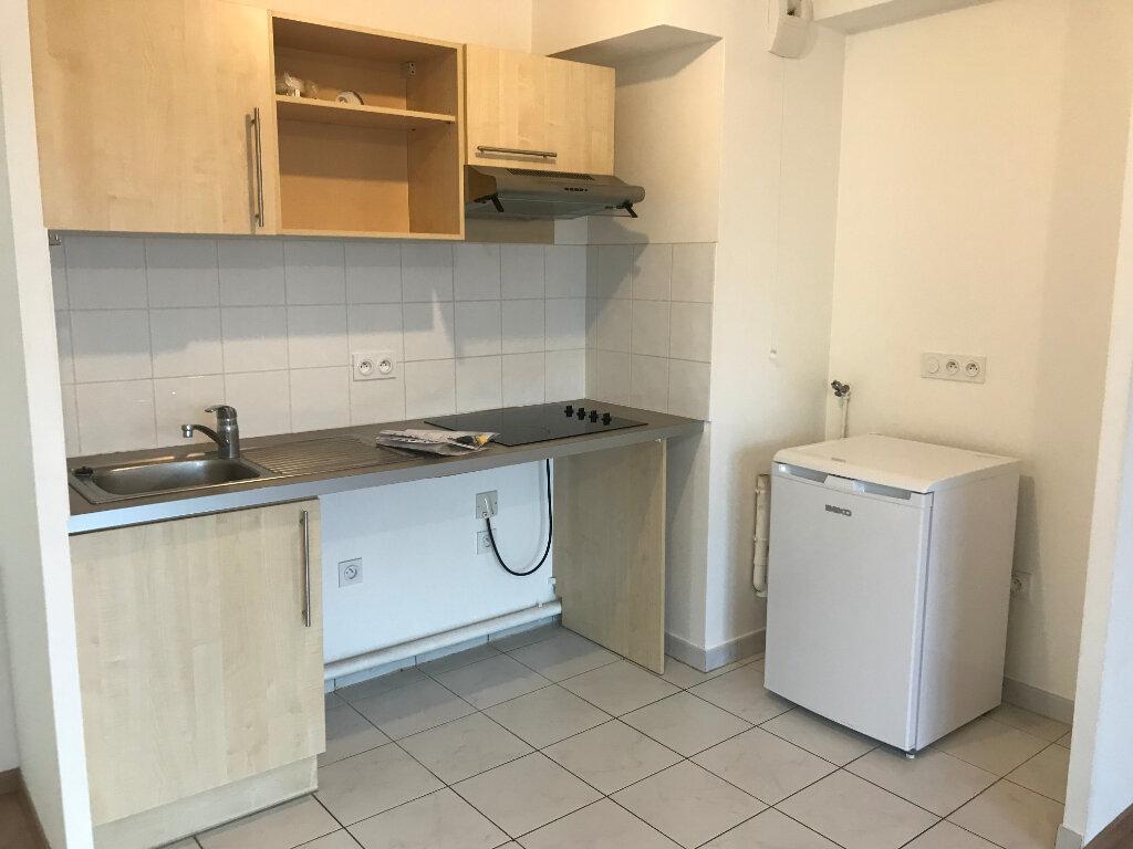 Appartement à louer 3 64.95m2 à Meaux vignette-1