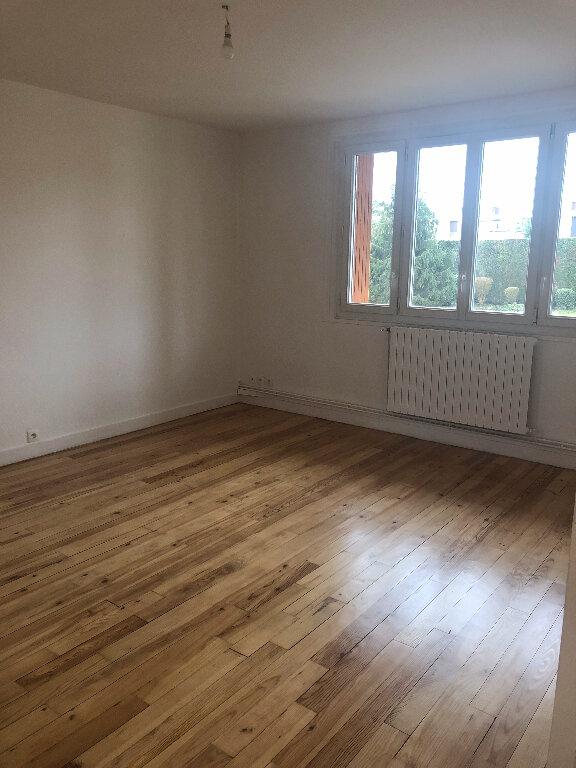 Appartement à louer 4 69.6m2 à Meaux vignette-2