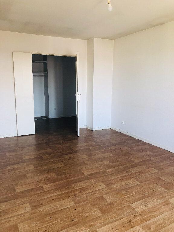 Appartement à louer 3 60m2 à Meaux vignette-1