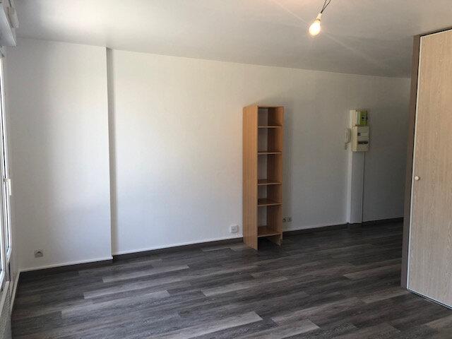 Appartement à louer 1 26.4m2 à Villenoy vignette-4