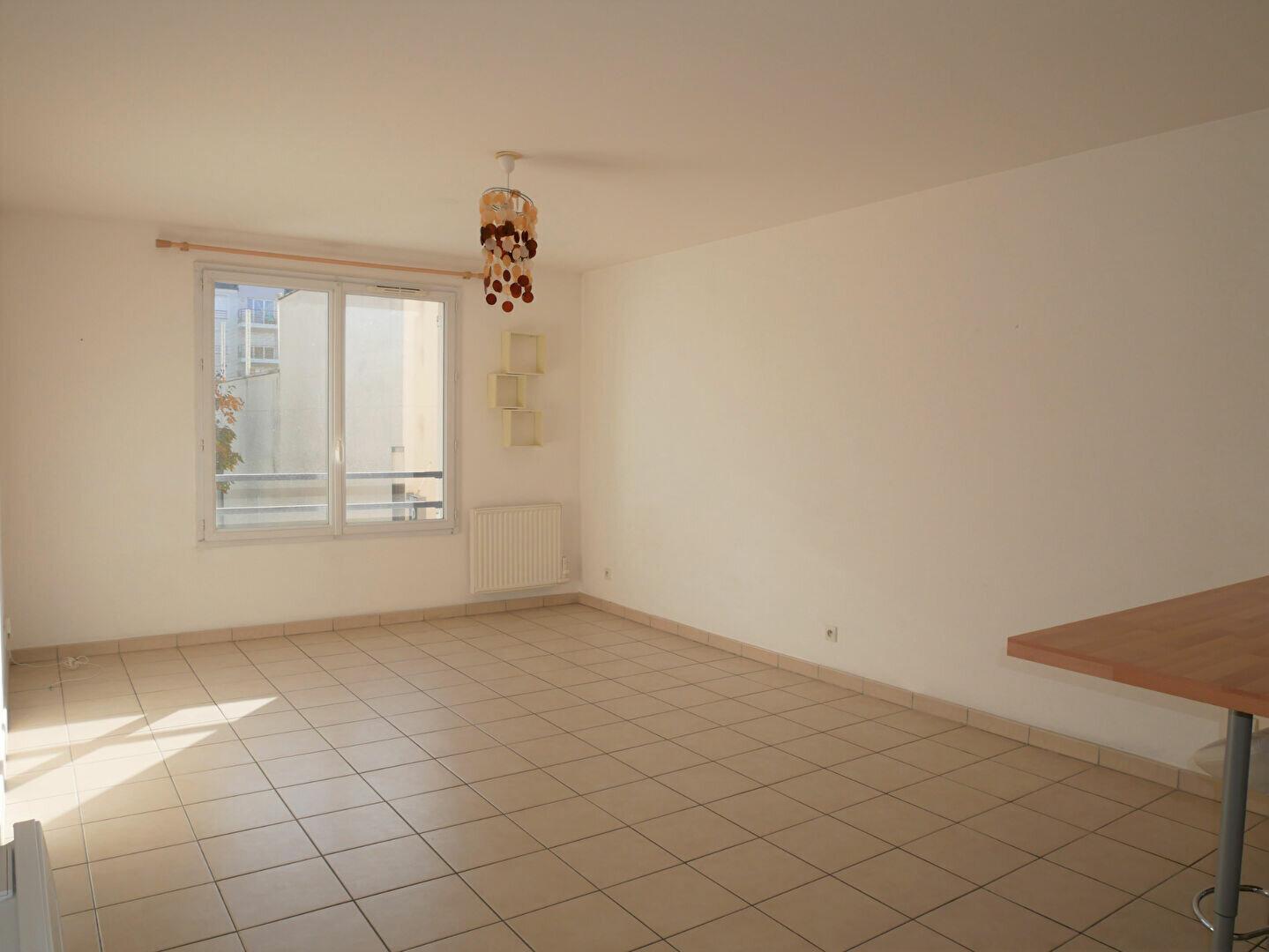 Appartement à louer 1 32.88m2 à Meaux vignette-2