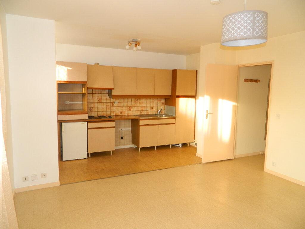 Appartement à louer 1 31.85m2 à Meaux vignette-1