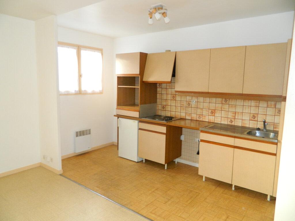 Appartement à louer 1 31.85m2 à Meaux vignette-2