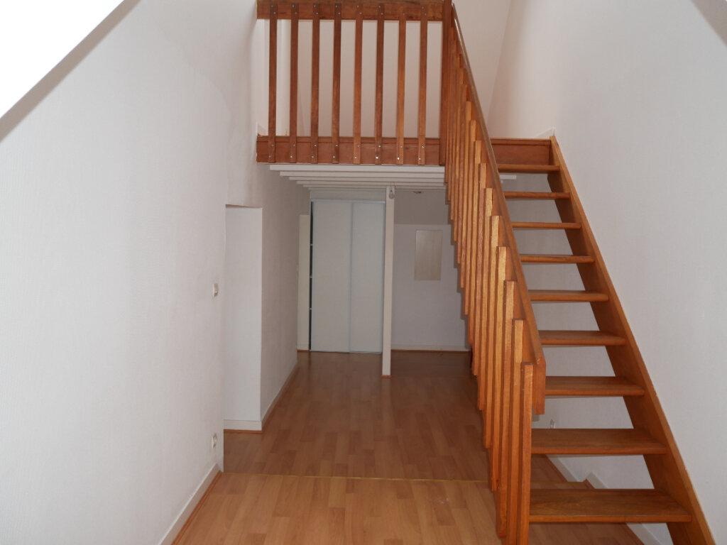 Appartement à louer 3 40.51m2 à Meaux vignette-1
