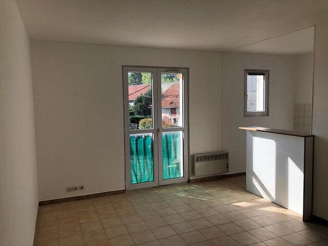 Appartement à louer 1 31.12m2 à Chambry vignette-1