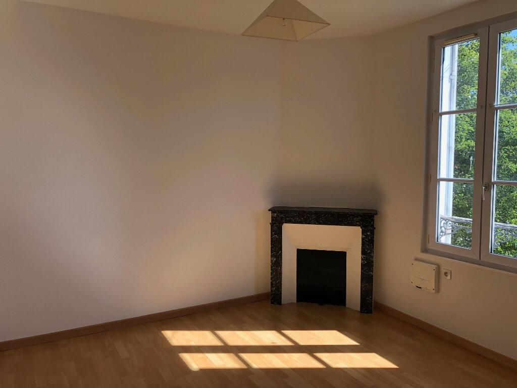 Appartement à louer 3 45.96m2 à Nanteuil-lès-Meaux vignette-1
