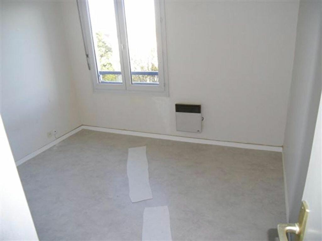 Appartement à louer 3 65.88m2 à Chelles vignette-4