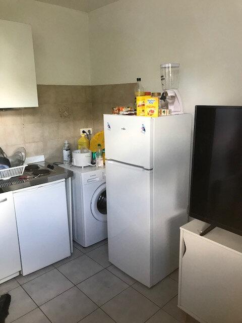 Appartement à louer 2 23.08m2 à Champs-sur-Marne vignette-1