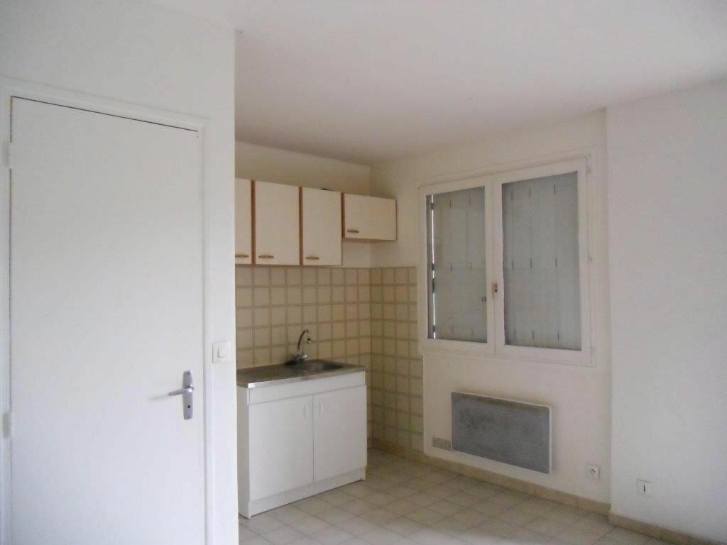 Appartement à louer 2 25.26m2 à Gagny vignette-2