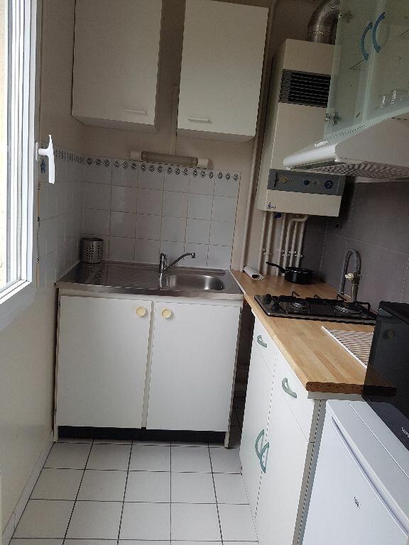 Appartement à louer 1 27.34m2 à Chelles vignette-2