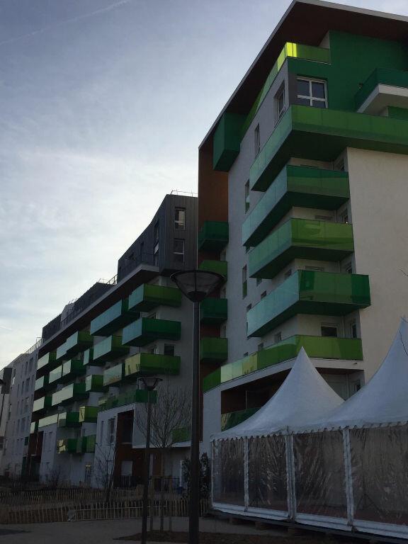 Appartement à louer 2 51.18m2 à Rosny-sous-Bois vignette-1