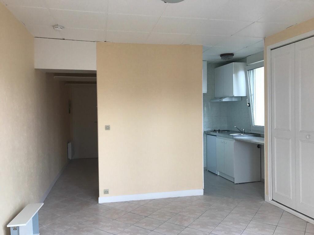 Appartement à louer 1 22.18m2 à Gagny vignette-4
