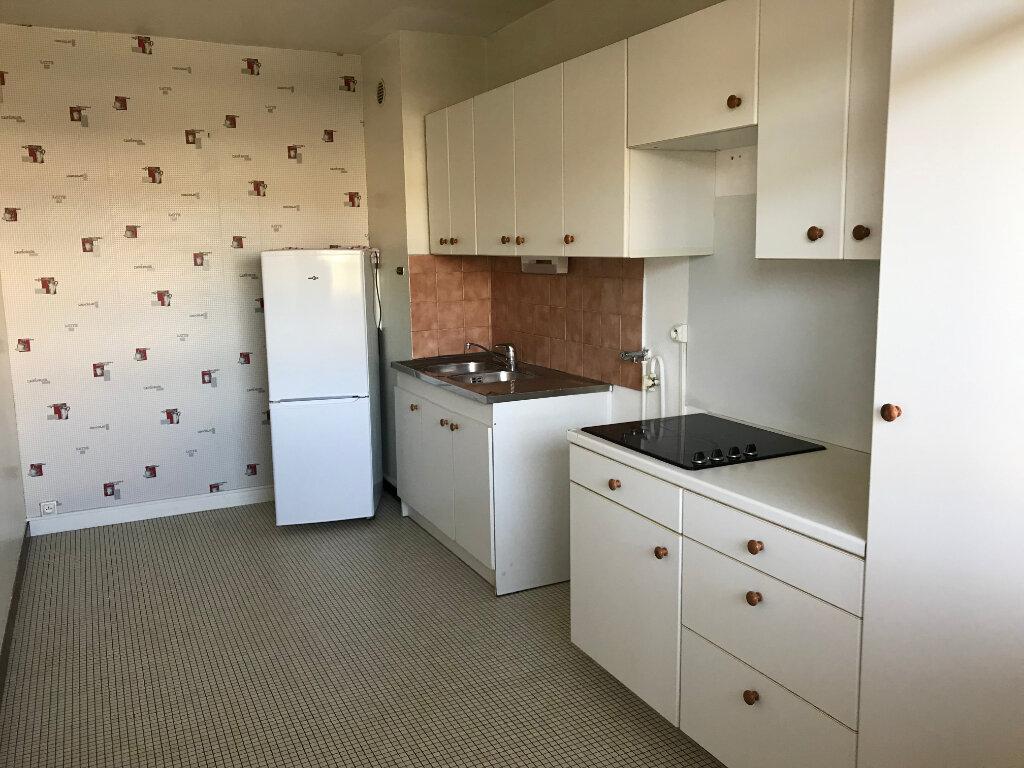 Appartement à vendre 2 62.6m2 à Chelles vignette-3