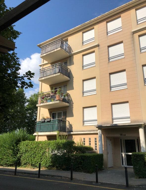 Appartement à louer 3 55.21m2 à Chelles vignette-1