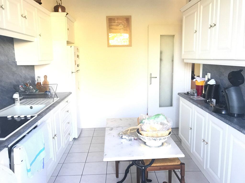 Appartement à vendre 4 73m2 à Brou-sur-Chantereine vignette-1