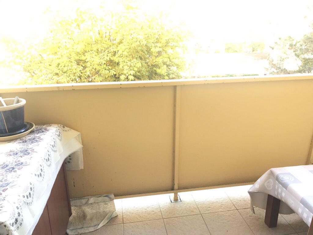 Appartement à vendre 4 73m2 à Brou-sur-Chantereine vignette-2