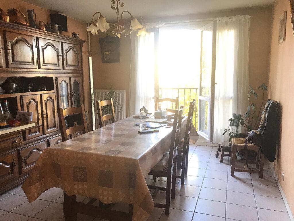 Appartement à vendre 4 73m2 à Brou-sur-Chantereine vignette-3