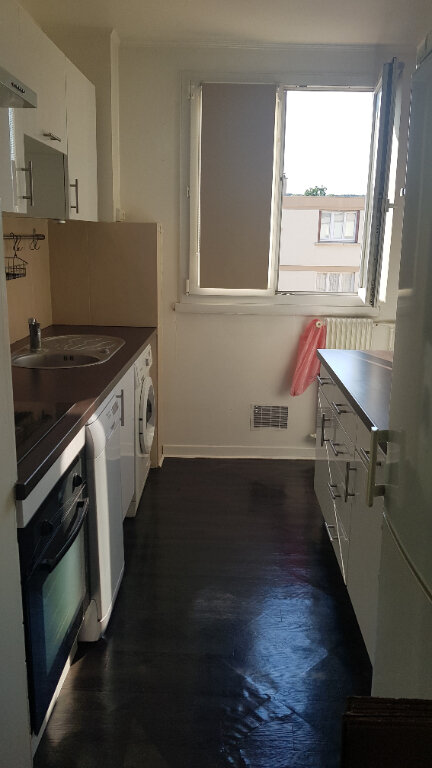 Appartement à louer 2 43.2m2 à Coubron vignette-2