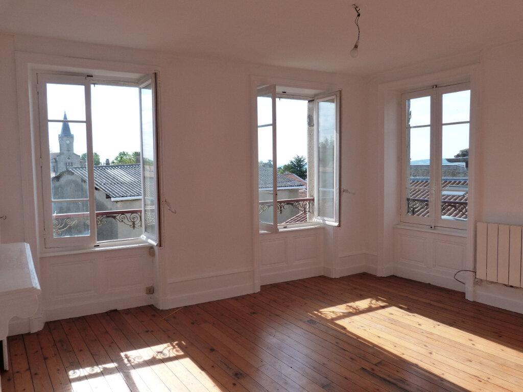 Appartement à louer 2 52.55m2 à Saint-Laurent-d'Agny vignette-1