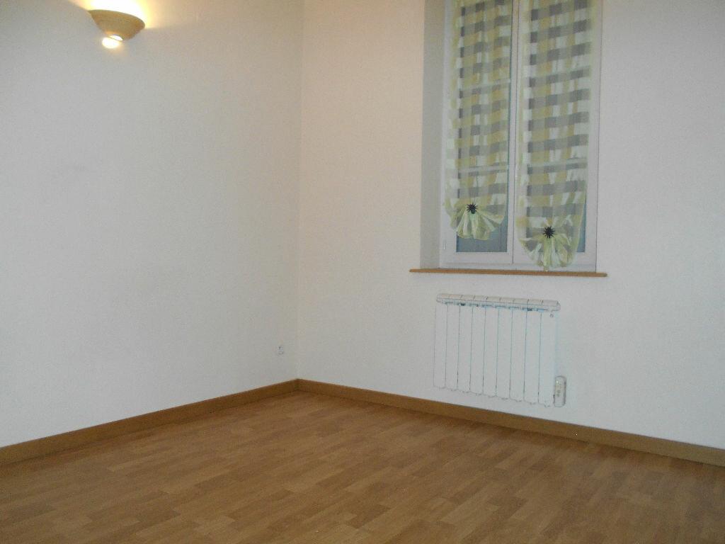 Appartement à louer 1 21m2 à Chazelles-sur-Lyon vignette-2