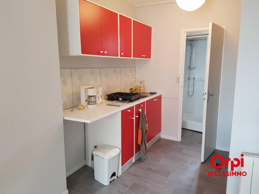 Appartement à louer 3 54.58m2 à Saint-Martin-en-Haut vignette-1