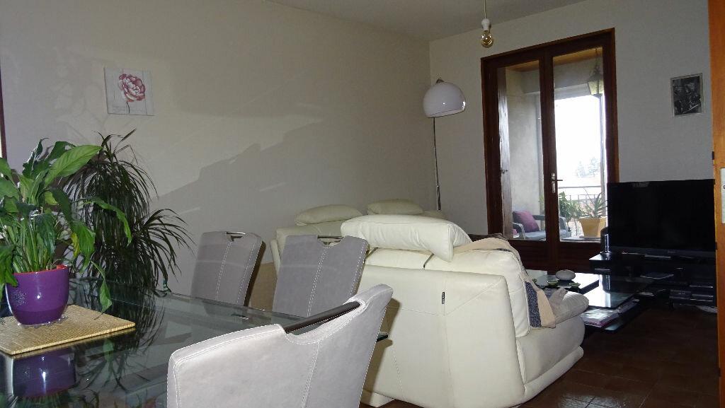 Maison à louer 4 85m2 à Soucieu-en-Jarrest vignette-3